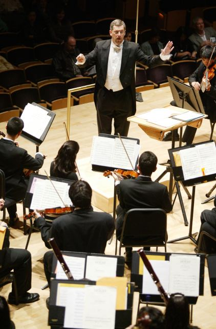 Levin conducting at Strathmore